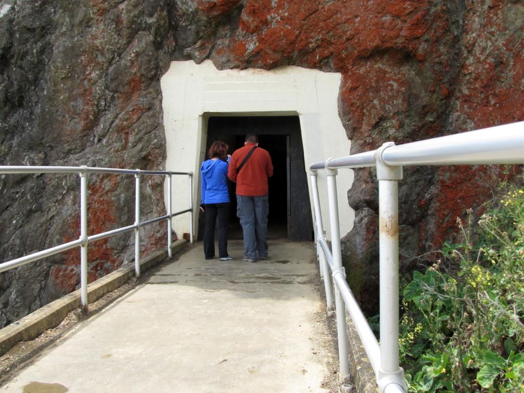 Tunnel entrance by Rudha-an